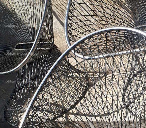 صندلی بامبو باکیفیت در مرحله خشک کردن در حیاط