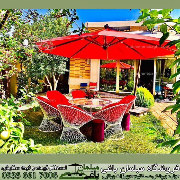 مبلمان باغی مدل بامبو ست شش نفره مبلمان باغی ویلایی مدل بامبو درجه یک رنگ قرمز به همراه چتر باغی مدل پایه کنار رنگ قرمز در یک ویلای شیک و زیبا در شهر اصفهان مبلمان باغی ویلایی مدل بامبو