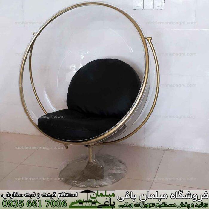 صندلی ریلکسی شیشه ای رنگ شفاف با پایه درجه یک به صورت راک رنگ طلایی بسیار شیک مخصوص آپارتمان و فضای باز با تشک درجه یک مخصوص تاب ریلکسی مدل شیشه ای
