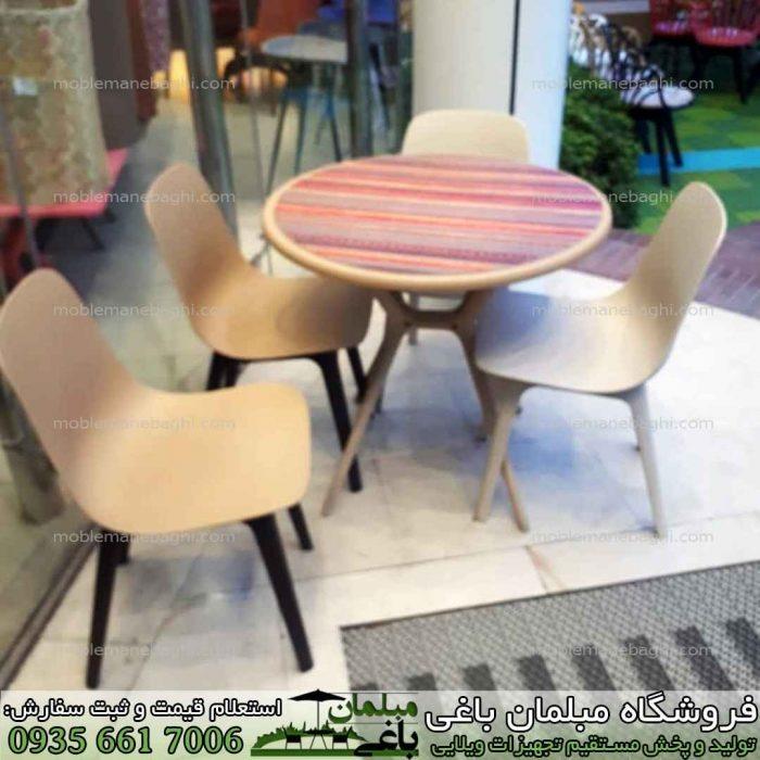 ست چهار نفره نهار خوری با میز و صندلی پلیمری تیکا رنگ کرم و پایه ها مشکی بسیار شیک و لاکچری مناسب ست نهارخوری پلیمری و مخصوص تراس بالکن صندلی رستورانی و فضای باز با قیمت و کیفیت مناسب