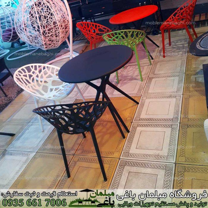 صندلی پلی کربنات و مبلمان ناهارخوری پلی کربنات یا پلیمری مخصوص فضای باز در مرکز پخش عمده مبلمان پلیمری فضای باز برند مبلمان باغی در رنگ های متنوع مشکی سفید قرمز و سبز مدل درختی مخصوص باغ و ویلا و تراس