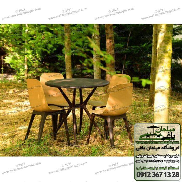 میز نهارخوری پلیمری و صندلی پلیمری مخصوص فضای باز و مناسب رستوران و کافه واقع در فضای باز ویلایی شیک و زیبا