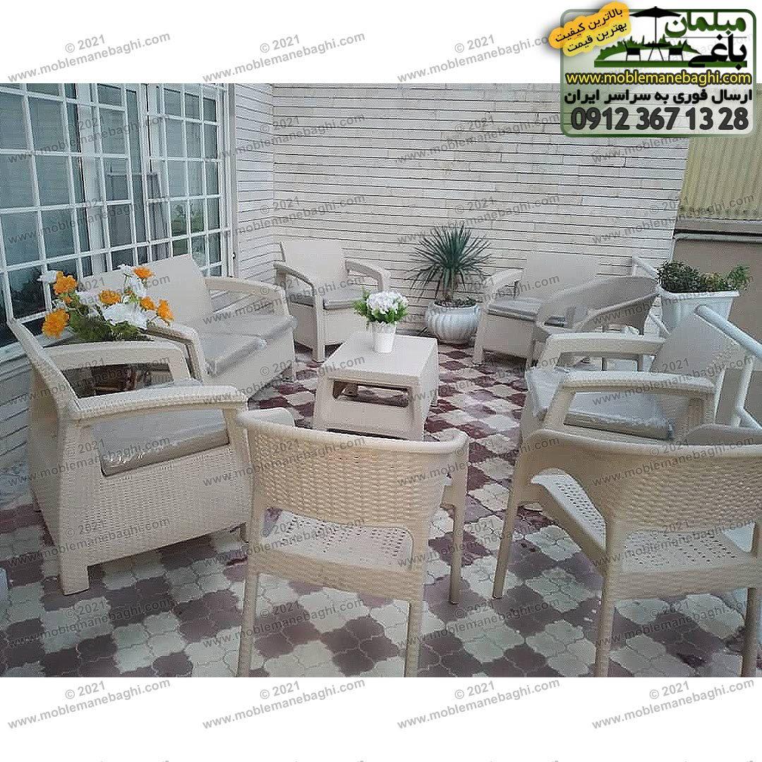 ست مبلمان حصیری زیبا شامل شش صندلی حصیری پلیمری مخصوص فضای باز با رنگ کرم و سه عدد صندلی حصیری مدل 992 به همراه جلومبلی حصیری در مشهد ارسالی مشتری